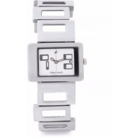 Fastrack Ng2404Sm01 Party Analog Watch - For Women
